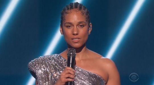 Alicia Keys sings emotional tribute to Kobe Bryant at Grammys with Boyz II Men as he dies aged 41