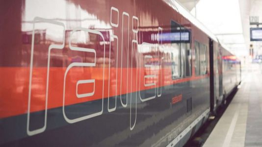 Austrian Airlines wants passengers to take the train