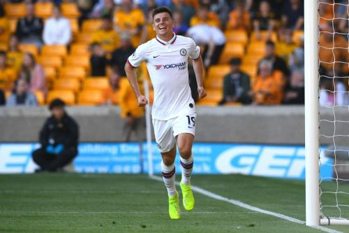 Chelsea's formation change shows new side of Mason Mount's game as he dribbles like a winger