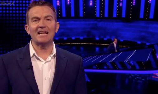 The Chase: Bradley Walsh leaves players baffled as he dances off ITV set