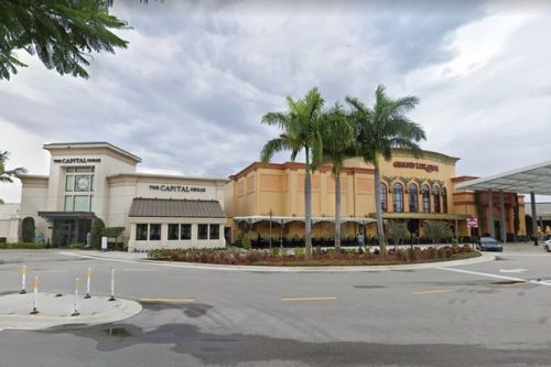Boca Raton shooting: 'Active shooter' in shopping mall food court as crowds evacuated