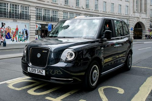 Wireless electric car charging trial for taxis launched