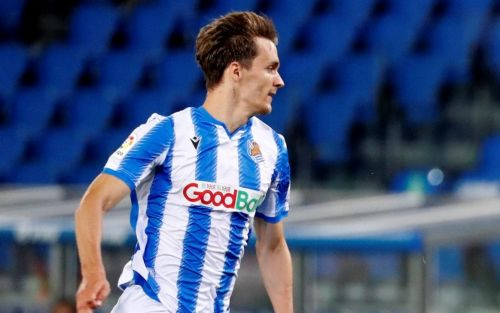 Leeds United confirm signing of defender Diego Llorente on four-year deal