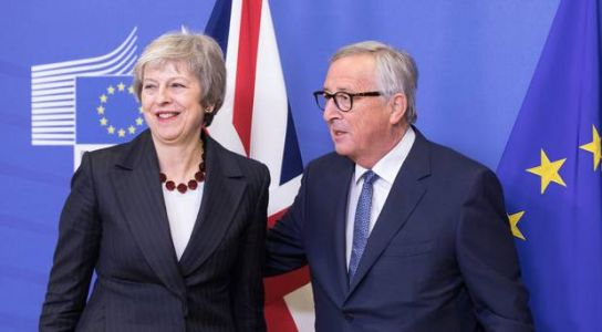 May to meet Northern Ireland businesses at Downing Street over her draft Brexit deal