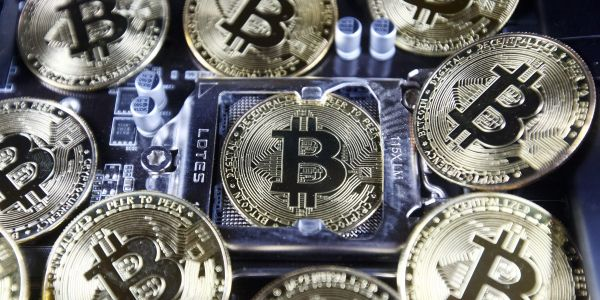 These are the 5 must-follow rules when investing in bitcoin, according to Fundstrat's Tom Lee