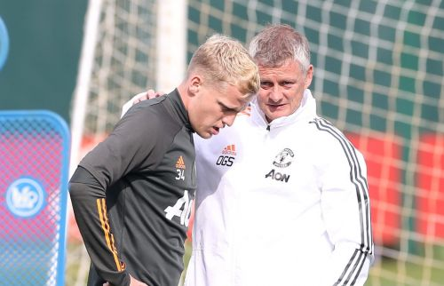 Ole Gunnar Solskjaer explains why he benched Donny van de Beek for Manchester United vs Crystal Palace