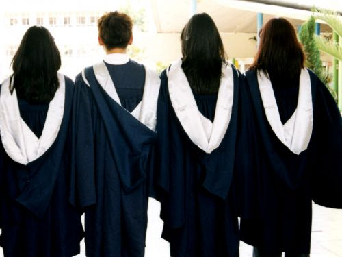 4 things to do today to save money if you want to go to grad school in 5 years