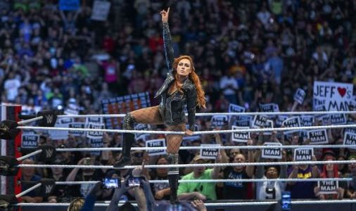 Becky Lynch sends warning shot to Ronda Rousey as UFC star gets set for WWE return