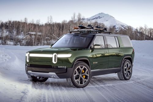 Amazon leads $700 million investment in Rivian