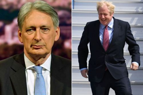 Boris Johnson blasted by top Tory Philip Hammond over 'misleading' Brexit claims