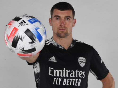 Arsenal sign Mat Ryan on loan from Brighton