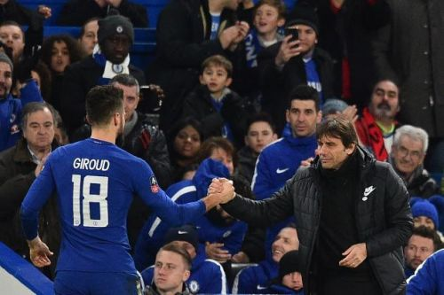 Split between Chelsea and player growing as Antonio Conte circles