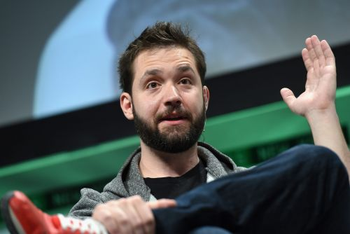 Reddit cofounder Alexis Ohanian has stepped down from the company's board, and urged the company to fill his seat with a black candidate