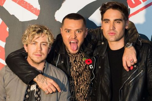 """Busted fan outrage over 'signed' album rip off - """"Upset is an understatement"""""""