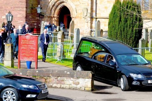 People line the streets to bid final farewell to Stirling SNP councillor