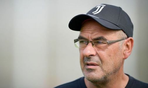 'We love you' and 'get well soon' - These football fans pours out with support for Maurizio Sarri after pneumonia diagnosis