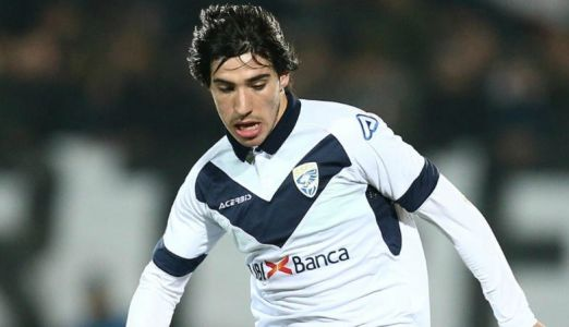 Sandro Tonali Manchester United transfer eyed in potential BATTLE with Euro giants