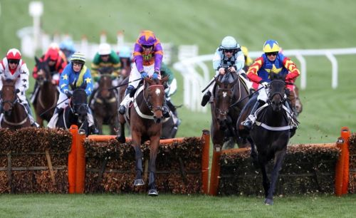 Fast horse racing results: Who won the 3.35 at Cheltenham live on ITV?
