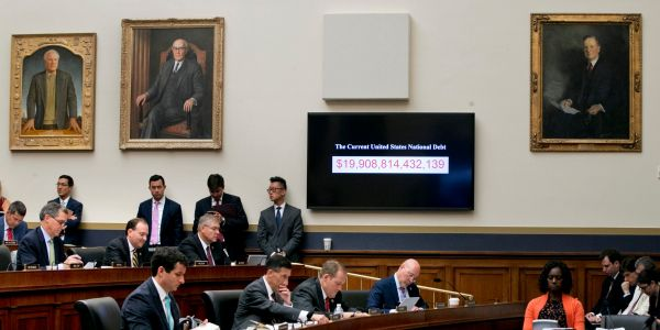 US 12-month budget deficit above $1 trillion for 2nd straight month