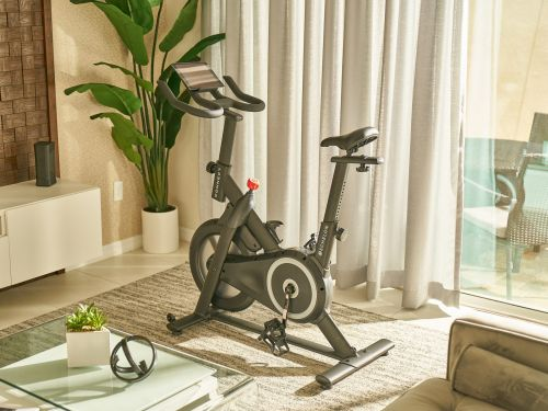 Amazon's first foray into connected fitness is a $499 smart bike made by Echelon that only Prime subscribers can buy