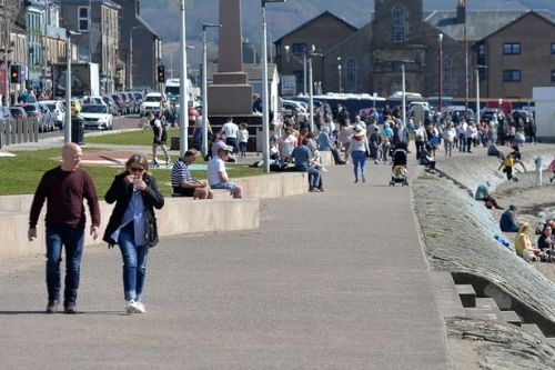 Covid latest: Schools affected and businesses closed in Helensburgh outbreak