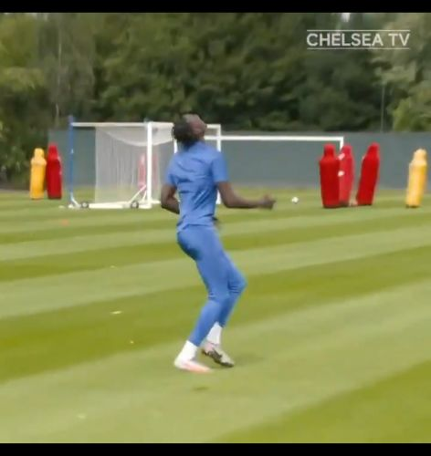: Tammy Abraham kills dead an air pass from Mason Mount out of the clouds