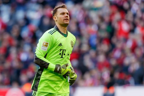 Why Manuel Neuer would reject Chelsea move with Bayern Munich stay likely