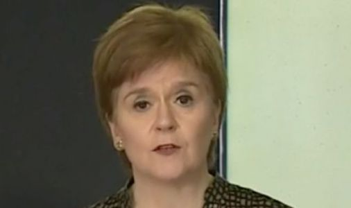 Nicola Sturgeon makes pub punters' data collection mandatory to stop new COVID outbreak