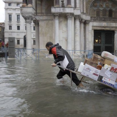 Bêka & Lemoine's latest film shows Venice's worst flood in half a century