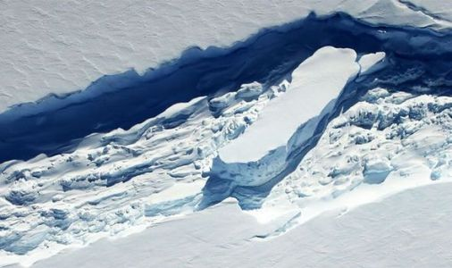 Antarctica: Disturbing discovery sparks fear of sea level rise 'sooner and with big bang'