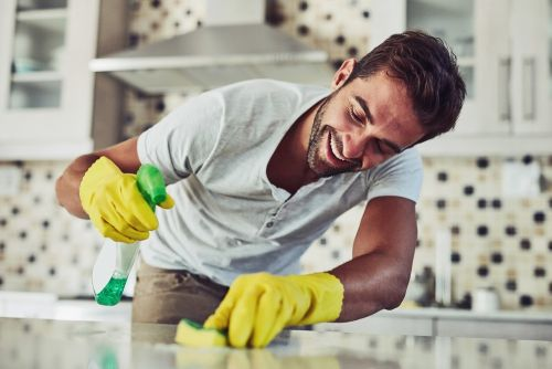 Expert Tips from Hoteliers - 10 Tips to Keep your Home Clean