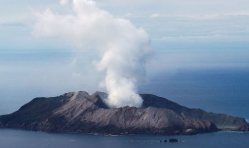 New Zealand volcano: Risky mission under way to recover bodies from White Island