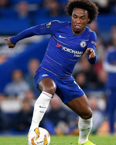 """A group of Chelsea fans call Willian """"greedy"""" and """"selfish"""""""