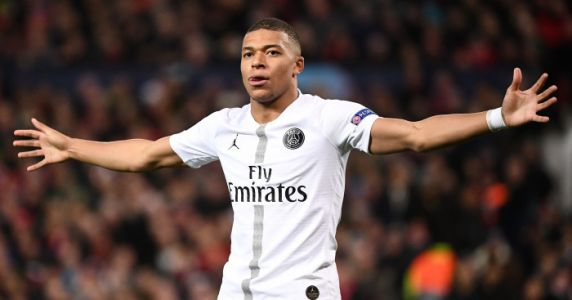 Mbappe makes definitive decision on future amid Man Utd, Real links
