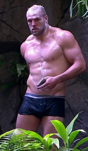 I'm a Celeb's James Haskell and Ian Wright strip off for jungle shower - but fans demand to see Roman Kemp