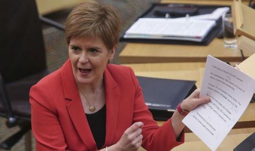Nicola Sturgeon crisis: Plummeting independence support rattles 'powerless' SNP leader