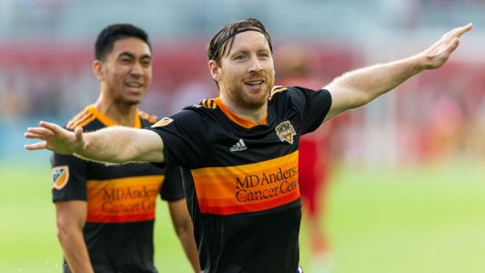Dynamo defeat Toronto FC behind early goals