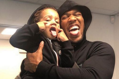 Anthony Joshua aiming to prove to his son that he's the daddy vs Oleksandr Usyk