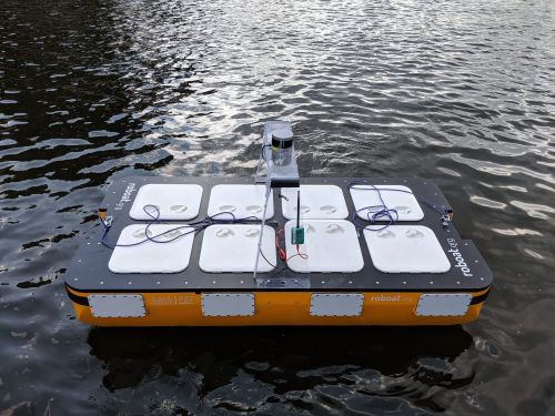 MIT developed an autonomous 'Roboat' that can transport people and navigate through canals in Amsterdam