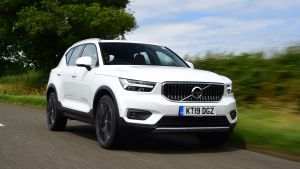 Mercedes GLA vs Volvo XC40