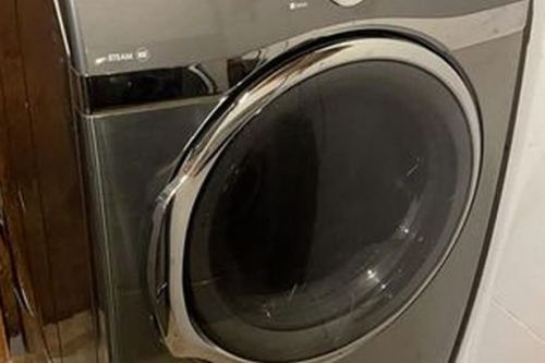 Dad trying to purchase washing machine on social media left emotional after seller's message