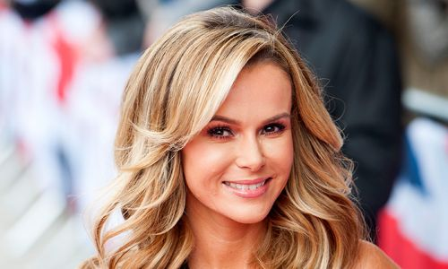 Amanda Holden's stunning living room belongs in an interiors catalogue - see video