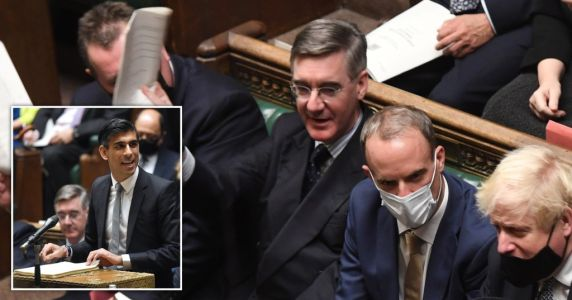 Jacob Rees-Mogg says he's not 'spewing Covid' after refusing to wear mask