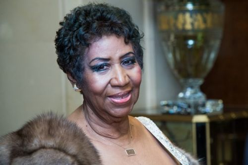 Aretha Franklin dead: Respect singer dies aged 76 after battle with cancer