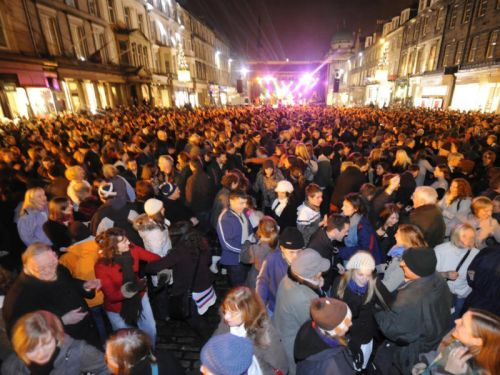 Friends and relatives of Edinburgh tourism workers urged to speak up for industry