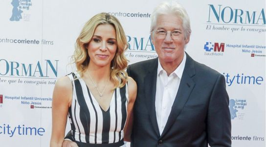 Richard Gere to be a dad again at 69 as wife Alejandra, 35, officially announces they are expecting a baby
