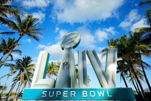Verizon brings 5G to the Super Bowl-for part of the stadium, anyway