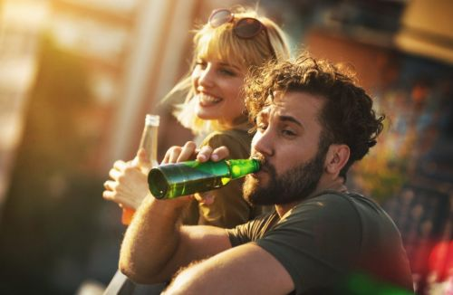 Men 'should have a maximum of one alcoholic drink a day' to avoid early death