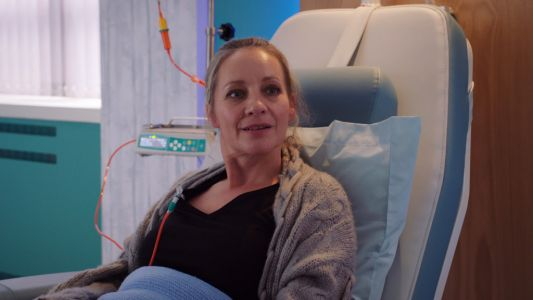 Does Essie die in Holby City?