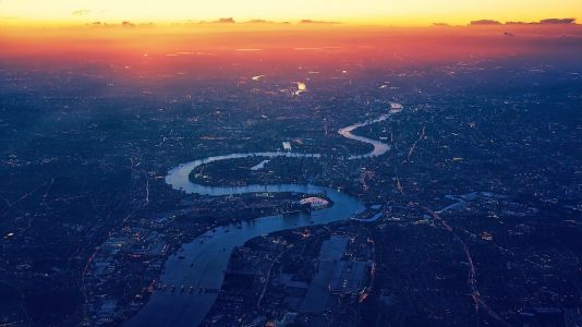 London landlords and big business tenants in landmark pledge to overcome barriers to clean energy